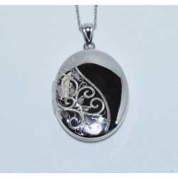 J-2619 925 SILVER HALF DESIGNED HALF SHINY OVAL LOCKET