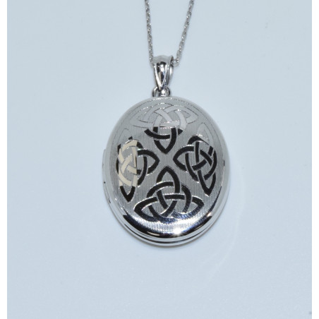 J-2622 925 SILVER CELTIC DESIGNED OVAL LOCKET
