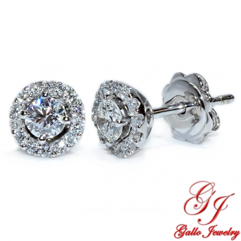 ER02465. White Gold Round Diamond Halo Stud Earrings