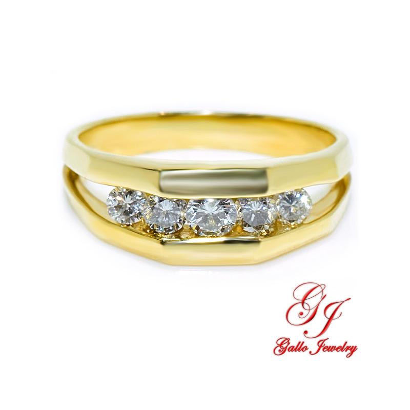 MWB01896. 14K Yellow Gold Ring With Diamonds
