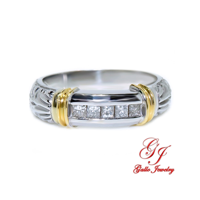 MR00611. 14K White/Yellow Gold Ring With Diamonds