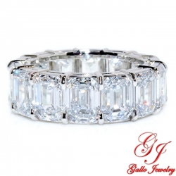 WB02879. Platinum Emerald Cut Diamond Wedding Band - Size 6